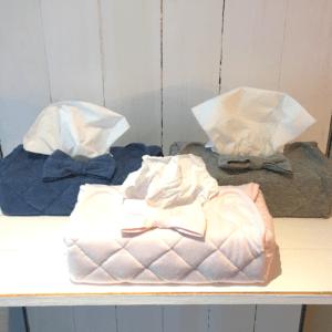 Gepersonaliseerde zakdoekendoos met strik